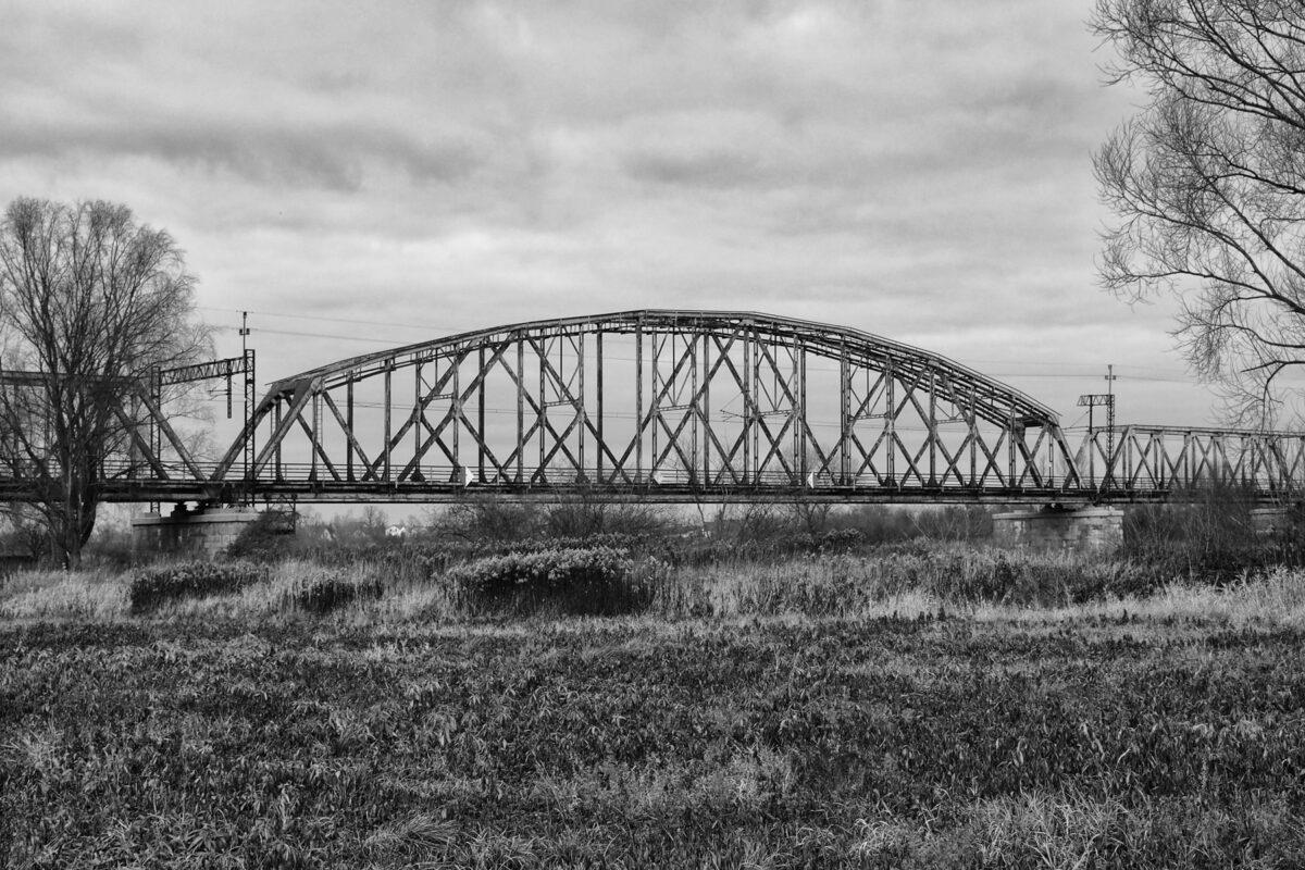 Czernica - Most kolejowy